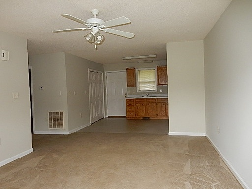 2 Bedrooms 1 Bath Apartment For Rent At Hickory North Carolina Uloop