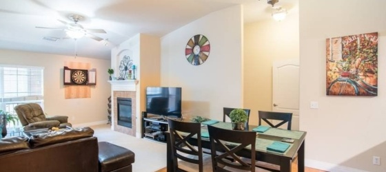 1 bedroom Northeast Park Hill