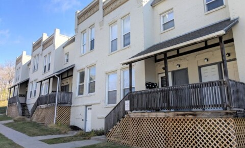 Apartments Near Creighton 1009 1/2  N 29th St for Creighton University Students in Omaha, NE