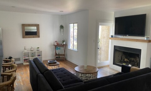 Apartments Near UCLA Seeking a Third Roommate in Santa Monica for University of California - Los Angeles Students in Los Angeles, CA
