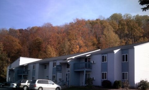 Apartments Near Petoskey Traverse Woods for Petoskey Students in Petoskey, MI