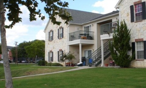 Apartments Near Texas State 1900 Aquarena Springs Dr for Texas State University Students in San Marcos, TX