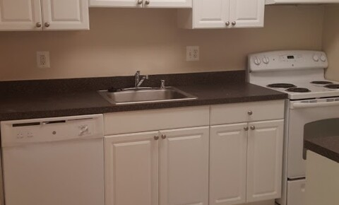 Houses Near Goldey-Beacom Spacious 2 Bedroom w/Washer & Dryer for Goldey-Beacom College Students in Wilmington, DE