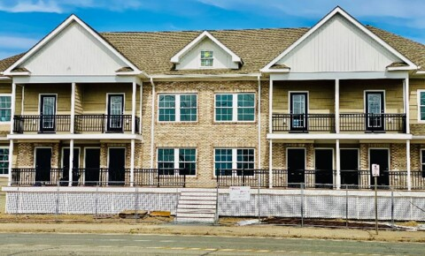 Apartments Near Farmingdale 1163 Montauk Hwy #1-16 for Farmingdale State College Students in Farmingdale, NY