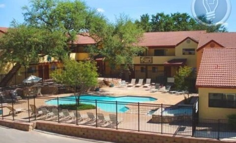 Apartments Near UT Austin 1st st. and Ben White for University of Texas - Austin Students in Austin, TX
