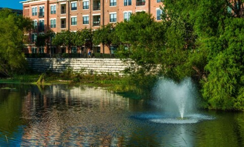 Apartments Near UT Austin 700 W 45th St for University of Texas - Austin Students in Austin, TX