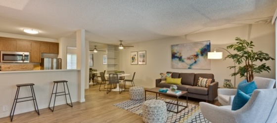 Apartments Near UCSC offering 1 Month Free! Reserve Yours w/ $99 Holding Deposit!!