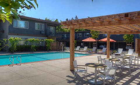 Apartments Near Foothill Highland Gardens for Foothill College Students in Los Altos Hills, CA