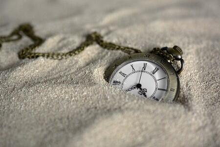 time, watch in sand, study abroad application