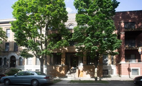 Apartments Near Saint Xavier 5405-5407 S. Woodlawn Avenue for Saint Xavier University Students in Chicago, IL