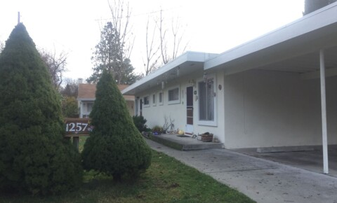Apartments Near RCC 1257 SW Plummer Avenue for Rogue Community College Students in Grants Pass, OR