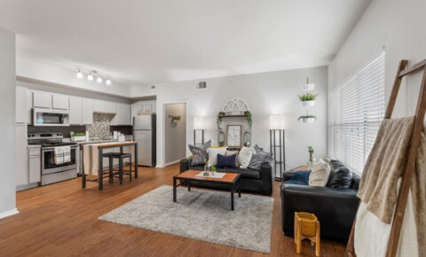 Student Housing in Denton, TX | College Student Apartments